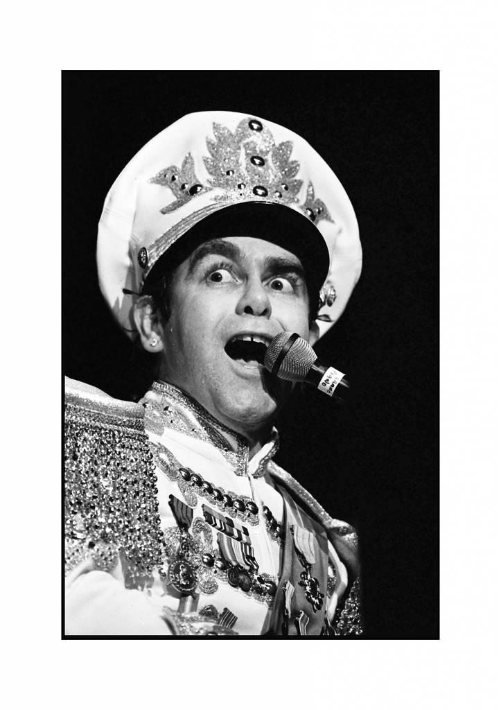 Elton John Plays Live